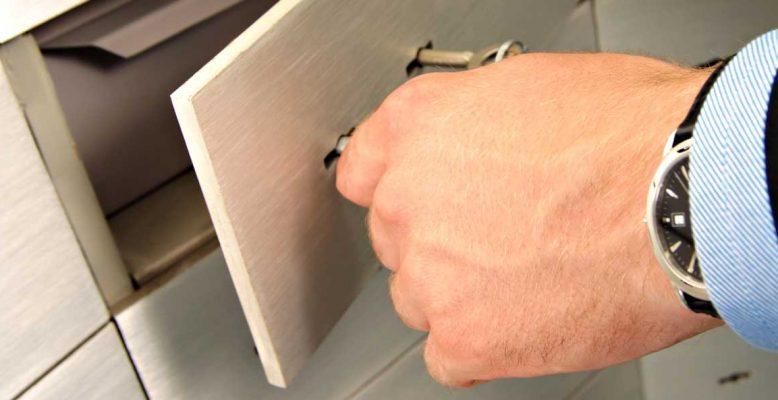Safe-Deposit-Boxes-Service